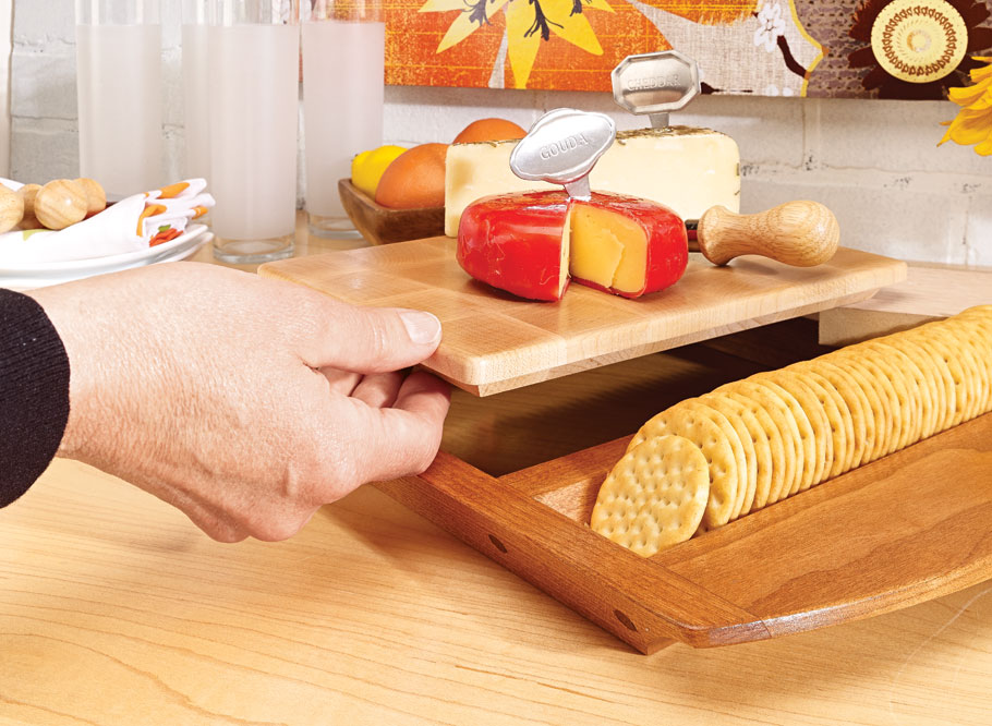 This wood tray and cutting board are sure to be a hit at your next party. Packed with fine details, they're as fun to build as they are to use.