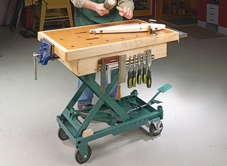 Scissor-Lift Workbench