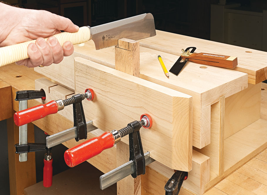 This pint-size bench is big on options to give you a solid grip on all kinds of workpieces — and raise them to a more comfortable level.