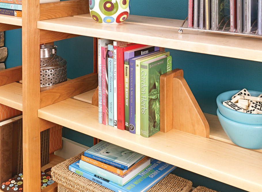 This set of shelves uses a clever design of interlocking notches and keys that make it a snap to set up or take down. It's sure to be a fun weekend build.