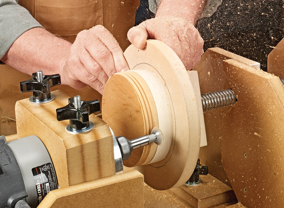 In the pursuit of making a set of perfectly matched internal and external wood threads, this efficient and flexible jig delivers the goods.