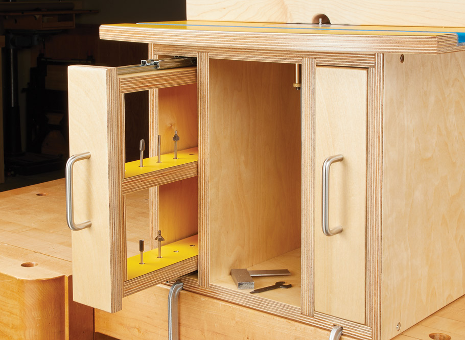Small projects are easy to make when you have a tiny router table. A good rotary tool is all you need.