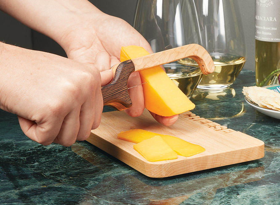 The small amount of material and time required to build this cutting board and cheese slicer set makes it the perfect gift for the holidays.