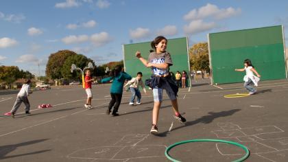 kids_at_recess-420x236