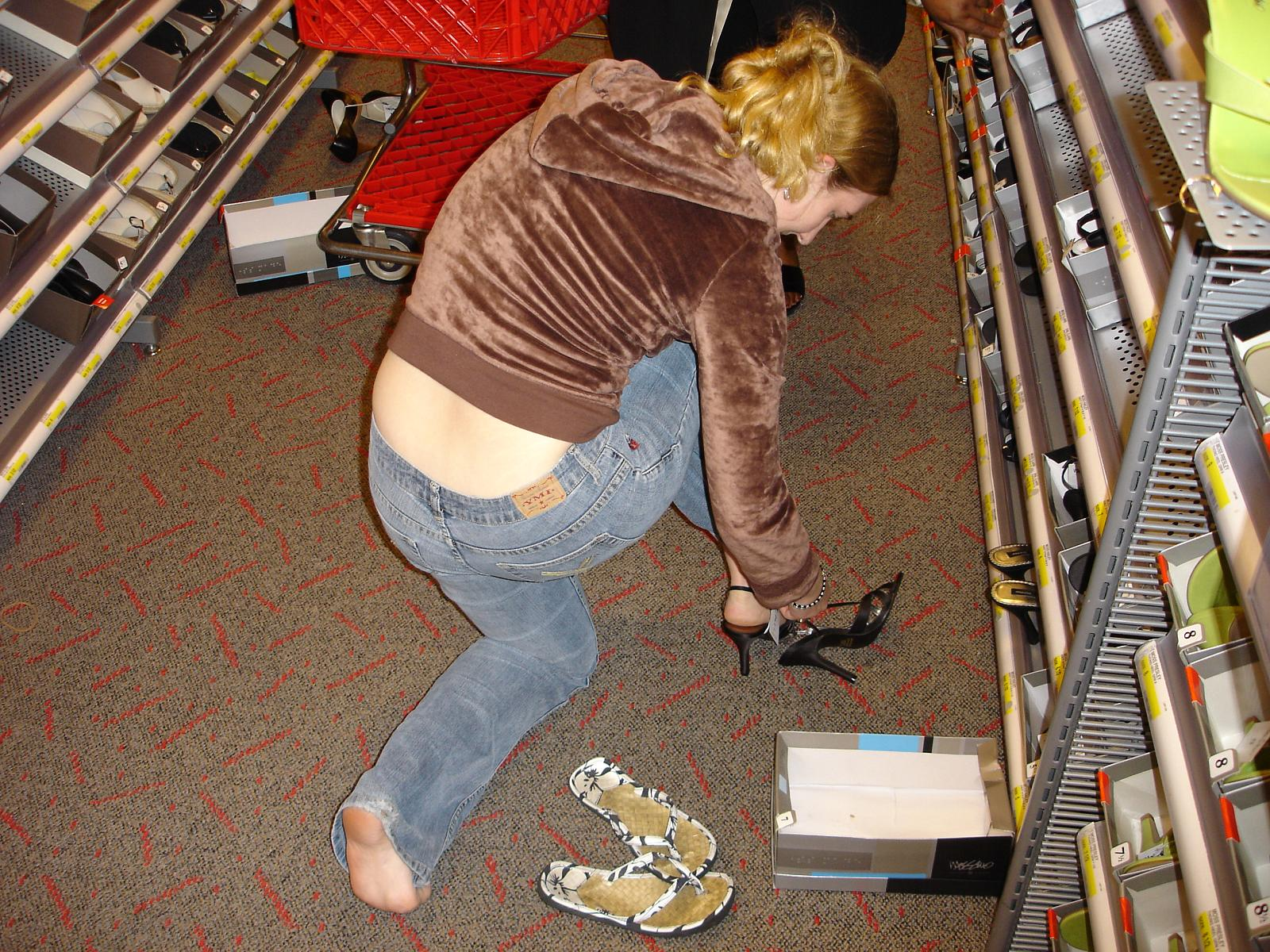 how to know if you are a shopaholic