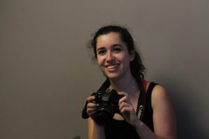 anna---helping-with-photography_26395129033_o