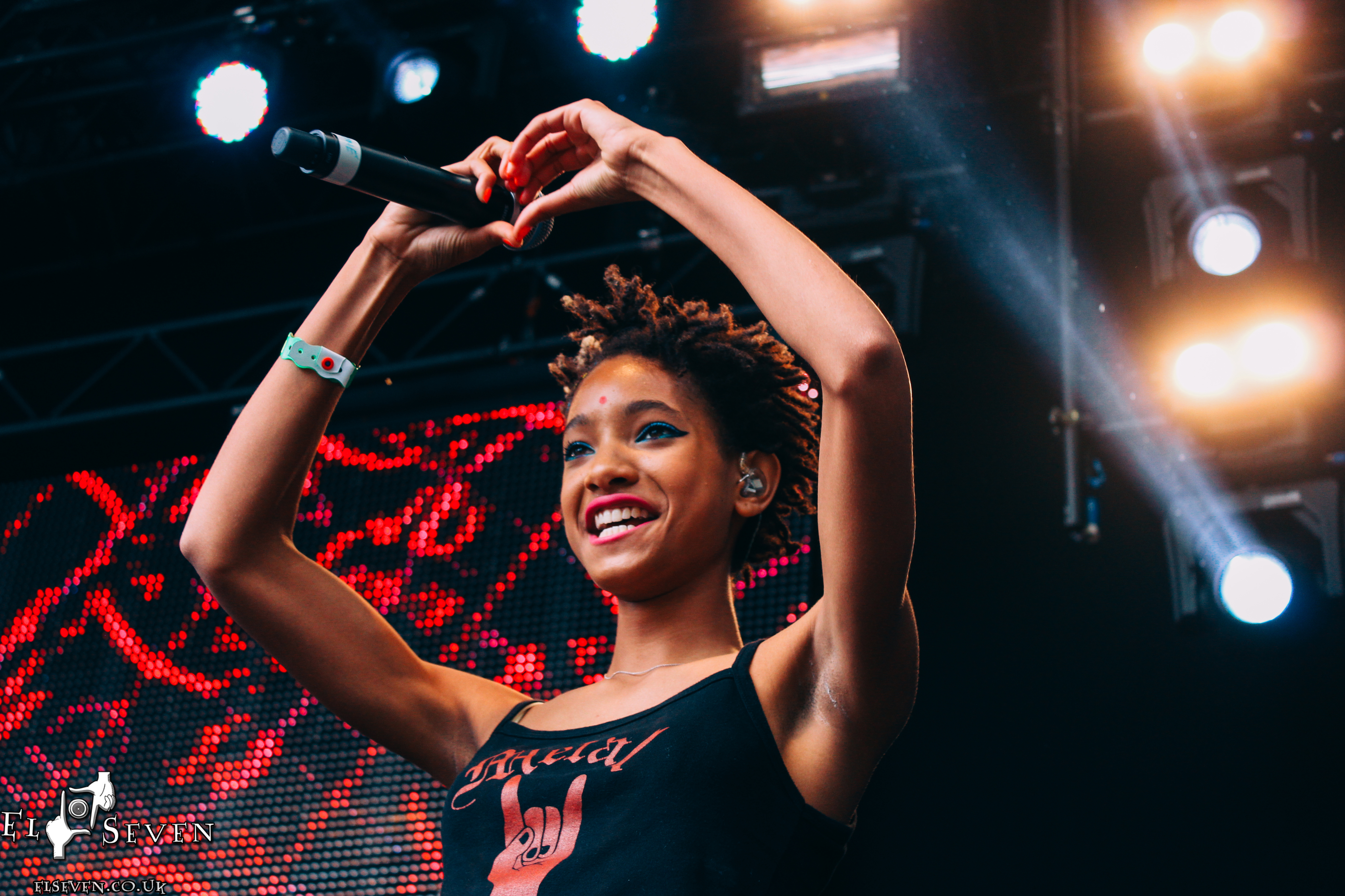Willow Smith Was 'Bullied in School' for Liking Rock Music