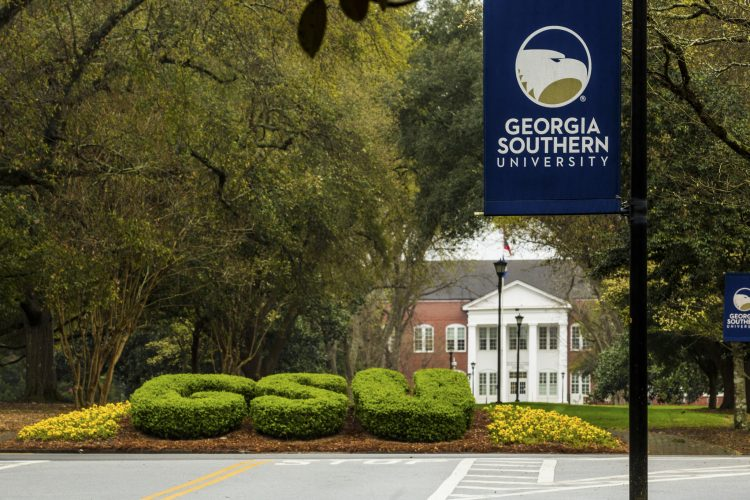 White Georgia Southern University Student Blames Autocorrect for Racial Slur Texted to Black Roommate