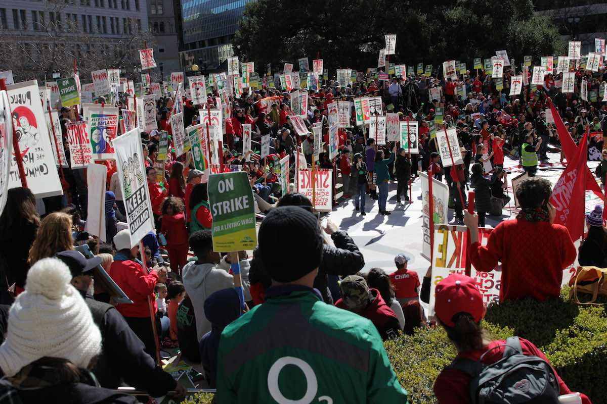 On Day 1 of Oakland Teachers Strike, Students Join Picket Line