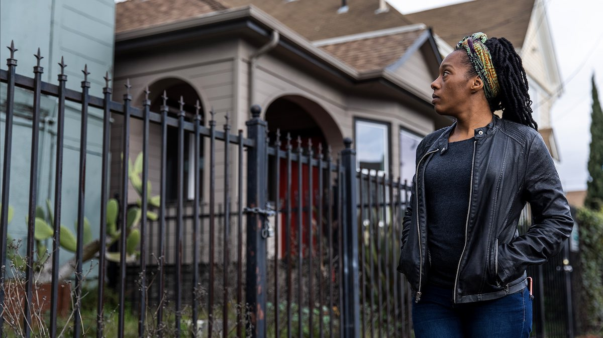 Police Remove Homeless Moms + Kids from Vacant House