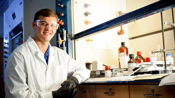 Jake Hamill '17 in the Chemical Physics lab doing summer research