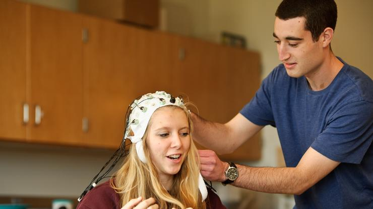 Ben Mittman '18, intended neuroscience major in the neuro lab in the Taylor Science Center