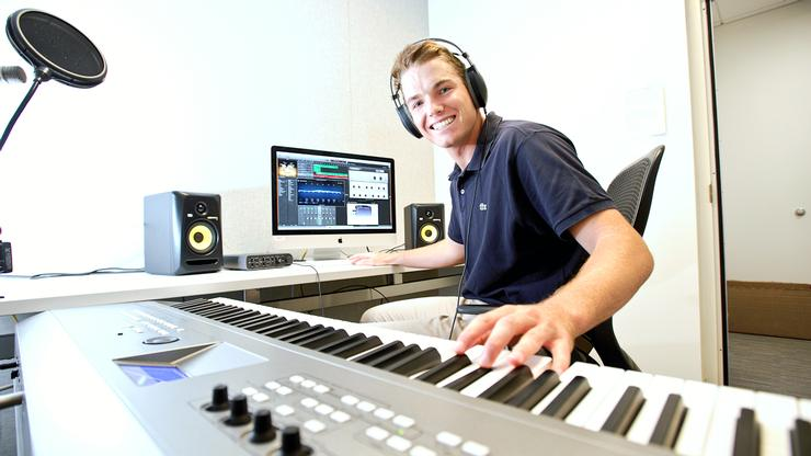 Spencer Vogelbach '18 in a music production studio in the Kennedy Arts Center