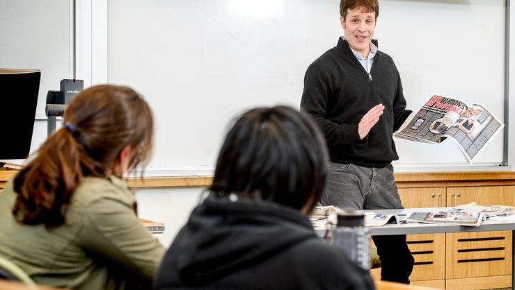 Christian Red '90 talks with students about the changing face of journalism.