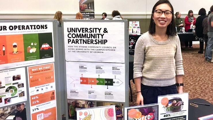 Eunice Lee '16 staffing an event for Campus Kitchen.