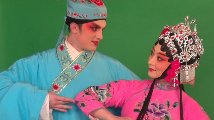 Aaron Balivet '08 returned to Chengdu this year to research Sichuan opera on a Fulbright grant.