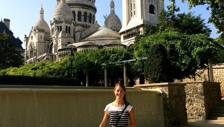 Caitlin Kennedy '16 in Paris