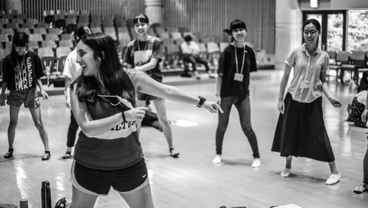 Faby Alvarez '22 presents a dance workshop to Japanese high school students in 2019.