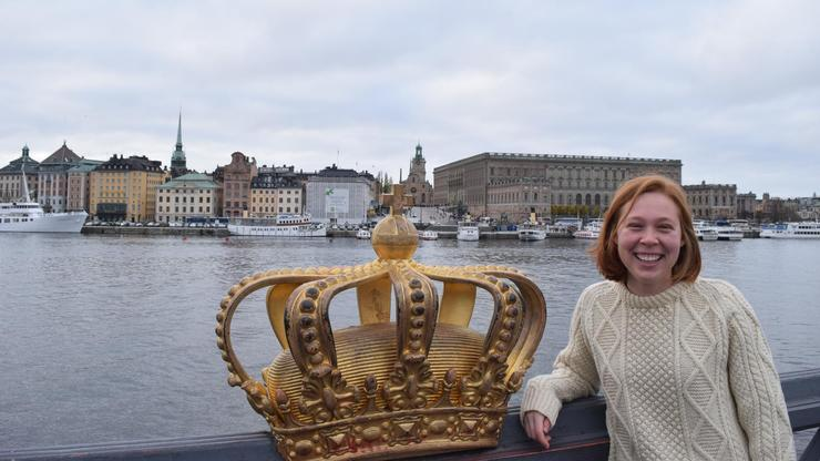 Genevieve Caffrey '17 on Skeppsholmsbron, a bridge that connects two of Stockholm's islands.