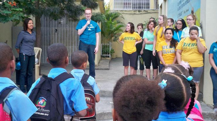 Gregory Jabaut '05 during a college service trip he led to the Dominican Republic.