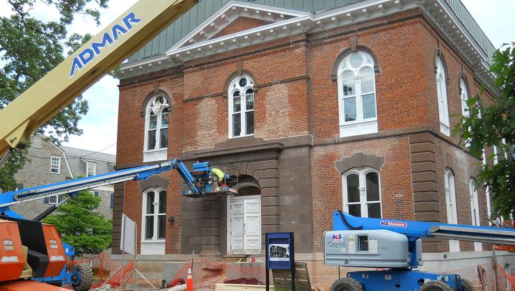 Transforming Minor Theater to a 10-suite Morris House: a 2015 construction project.