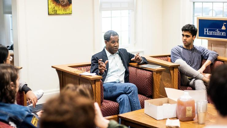 Pulitzer Prize-winner Gregory Pardlo holds a writing workshop with students at the Days-Massolo Center.