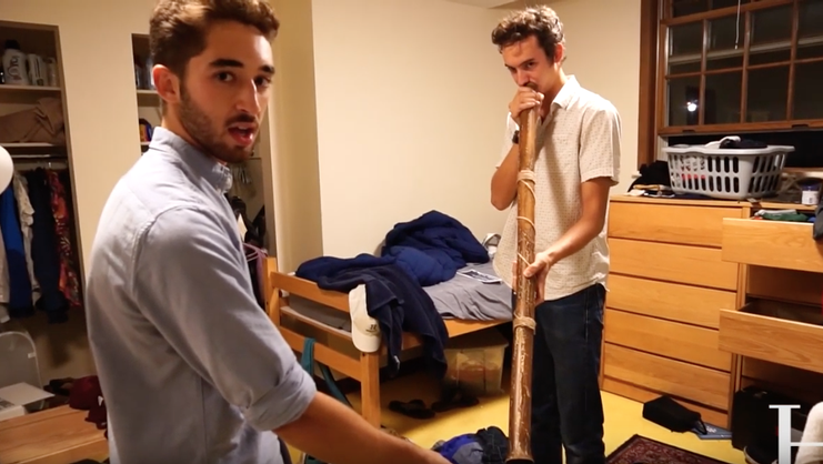 Dorm life video screenshot