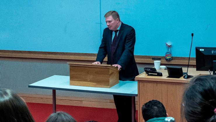 Dmitry Suslov speaks in the Red Pit.