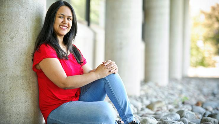 Nelly Alba '16 was among ten graduates to join Teach for America this year.