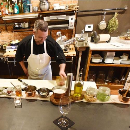 Nolas Restaurant in Clinton