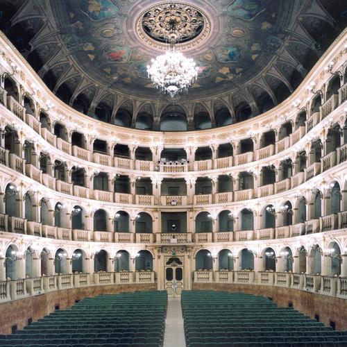 Candida Höfer. Teatro Comunale di Bologna I, 2006