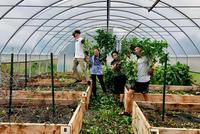 Students Volunteer at Pathfinder Village During Fall Break
