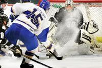 Men's Hockey Beats Bowdoin, NESCAC Finals Head to Sage