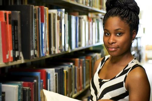 Njideka Ofoleta '16 Sheds Light on Women Emigrating from Africa to Spain