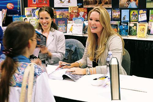 Reading by <em>Throne of Glass</em> Series Author Sarah Maas '08