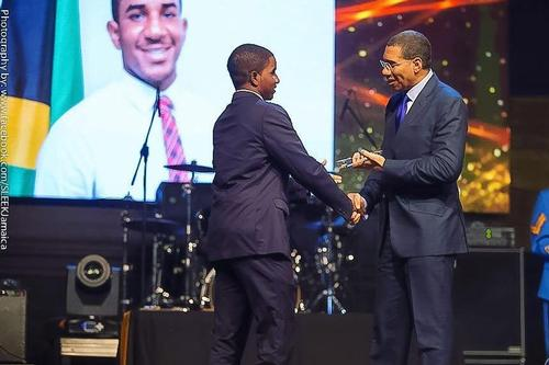 Jamaican PM Awards Arthur Williams '16 Award for Excellence