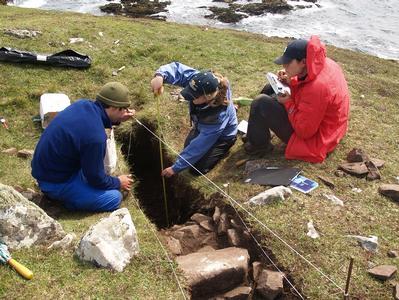 Excavation of Bronze Age houses on islands off coast of Ireland