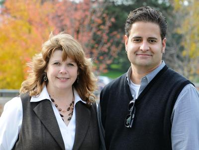 DHi Co-Directors Janet Simons and Angel David Nieves