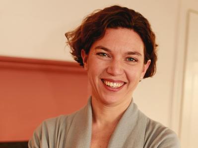 Julie Cron '94
