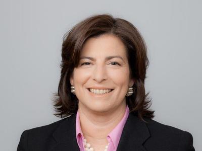 Nancy Roob '87