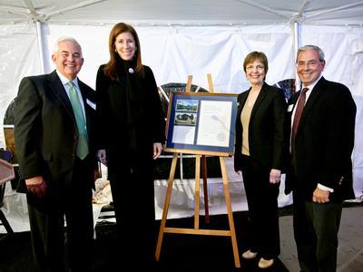 2014 Volunteer of the Year Award, Linda Johnson