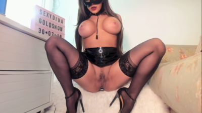 Live Webcam chat with SEXY DIVA