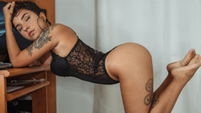 Live Webcam chat with Nat_petite