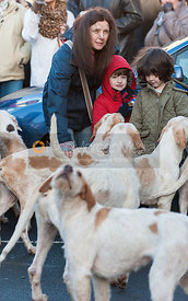 Members of the public meet the Cottesmore Hounds