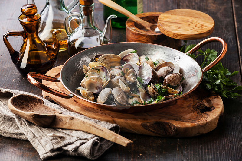 the gossiping clams Clam up, shut up learn more about gossip what made you want to look up gossip please tell us where you read or heard it (including the quote, if possible).
