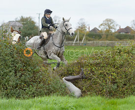 Lexi Taylor (not) jumping a hedge near the meet in Long Clawson