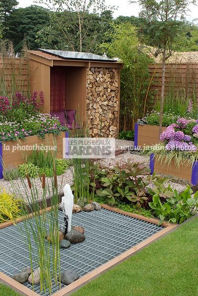 la phototh que les plus beaux jardins abri de jardin. Black Bedroom Furniture Sets. Home Design Ideas