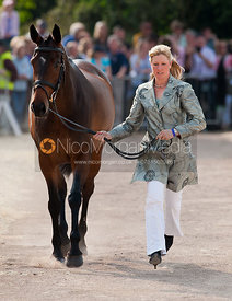 Nicola Wilson and Bee Diplomatic
