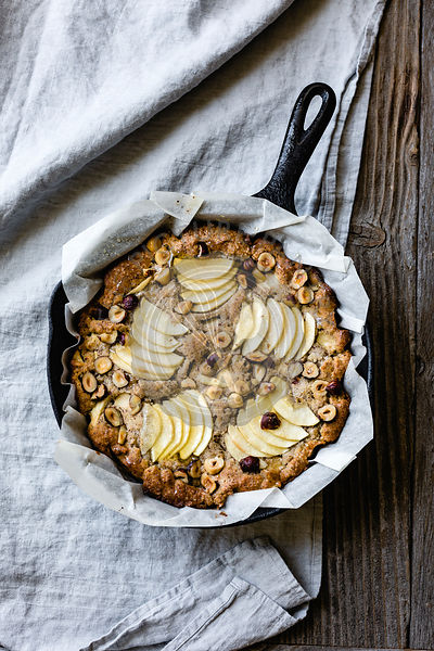 Apple Hazelnut Skillet Cake