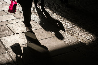 Street-Photography-Red-Bag-Copyright-Rob-Johns_20130927_DSF7202